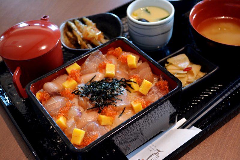(食堂料理の一例。海鮮ひつまぶし。時期によって使用する食材が違う場合があります。※H28年11月下旬~)